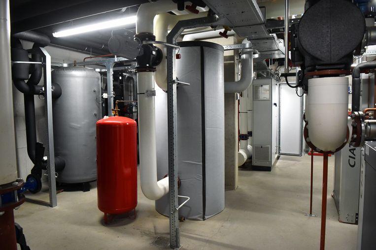 Verwarmingssysteem in een verzorgingstehuis door oppervlaktewater. Beeld Marcel van den Bergh/de Volkskrant