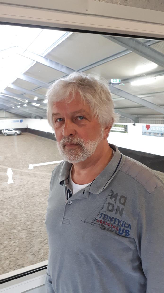 Voorzitter Henk Rhebergen van de Veerse Ruiters.