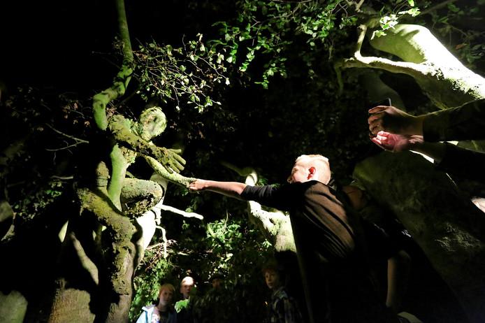 Living Statues by Night had vorig jaar voor het eerst plaats in Ede. FOTOBRONfoto Tamara Reijers IPTCBron  Tamara Reijers  TR ;# tamara reijers  Living Statues By Night Ede;Ede;Nederland