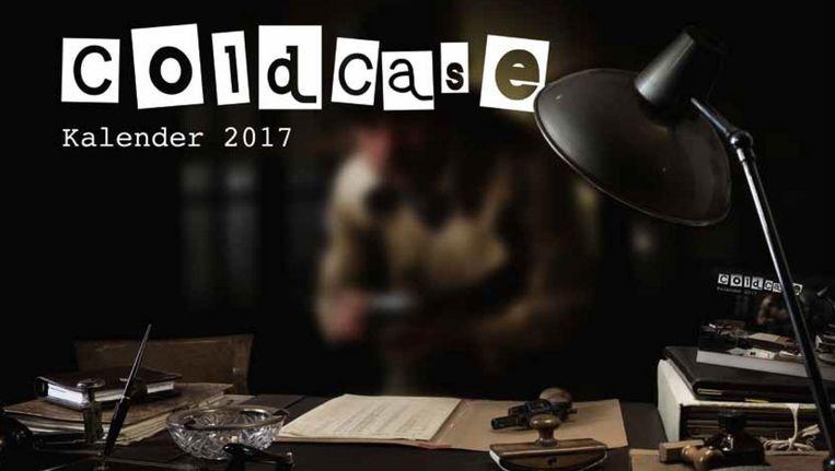 De voorpagina van de eerste 'cold case-kalender' van de politie. De kalender is bij wijze van experiment verspreid in vijf huizen van bewaring in Nederland. Beeld Politie