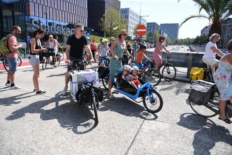 DJ Bobby Ewing stond in voor de muzikale vreugde tijdens de fietstocht op de Leuvense ring.