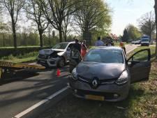 Vier auto's betrokken bij ongeluk op N65 bij Helvoirt: weg dicht richting Vught