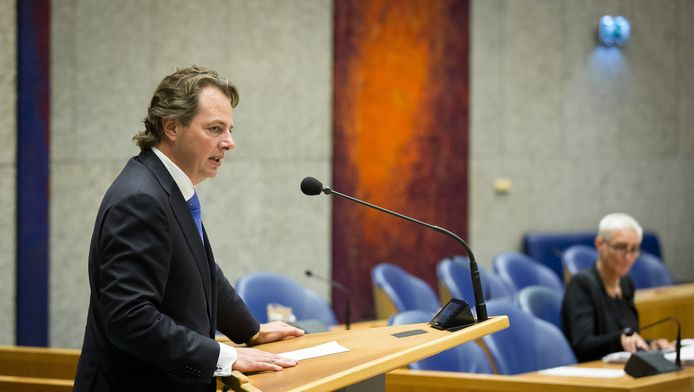 PVV-kamerlid Barry Madlener was getuige van de discussie: Ik heb, sinds ik in Rockanje woon, nog nooit zo veel reacties van dorpsgenoten gehad als nu.