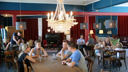 Op vraag van bezoekers: speelkaartenmuseum opent café