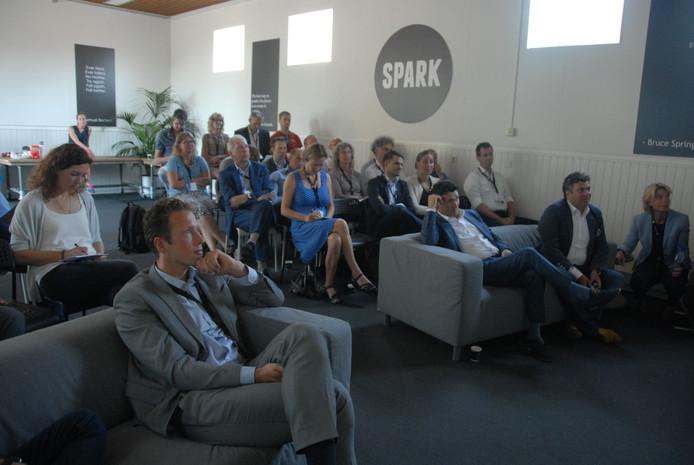 Het auditorium tijdens de kick-off van het samenwerkingsplatform Nul op de Meter Nieuwbouw.