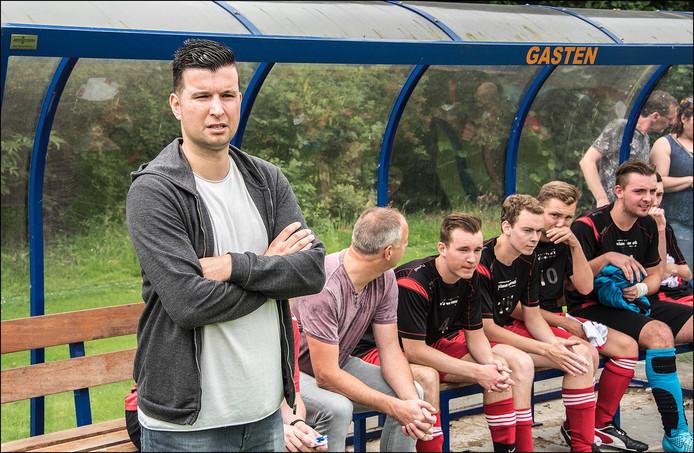 Niels Voet, de trainer van Vianen Vooruit.