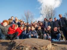 Eind goed al goed: Oudenbossche kweker schenkt nieuwe boom aan Kennedyschool Fijnaart