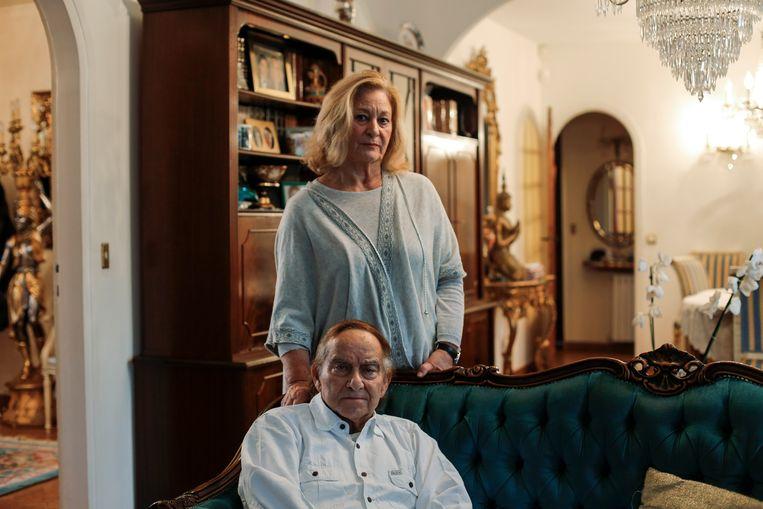 Het echtpaar Mireille en Roger Pinto werd aangevallen in hun huis en overweegt nu te verhuizen. Beeld Bart Koetsier