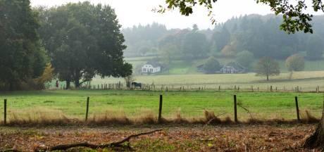 Wandelaar die kampvuur in Klarenbeek wilde voorkomen zwaar toegetakeld met stok