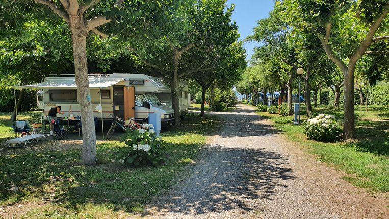 Een lege camping Blu in het Italiaanse Bolsena, buitenlandse toeristen komen dit jaar niet.