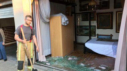 90-jarige rijdt in plaats van garage zijn slaapkamer binnen