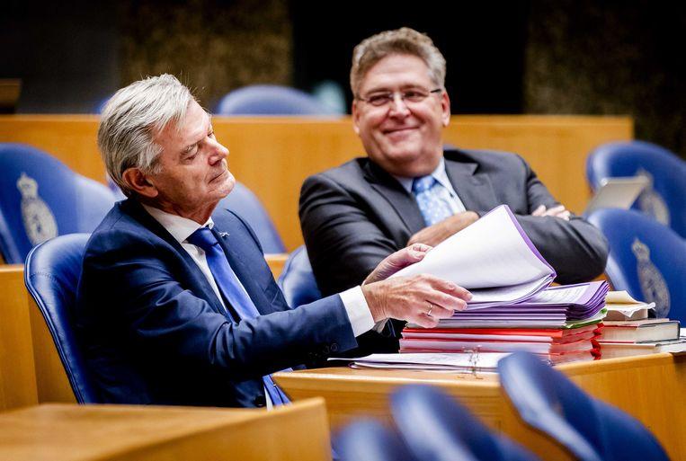 50Plus senator Martin van Rooijen (50Plus), hier nog in de Tweede Kamer aan de zijde van partijleider Henk Krol.  Beeld ANP - Remko de Waal