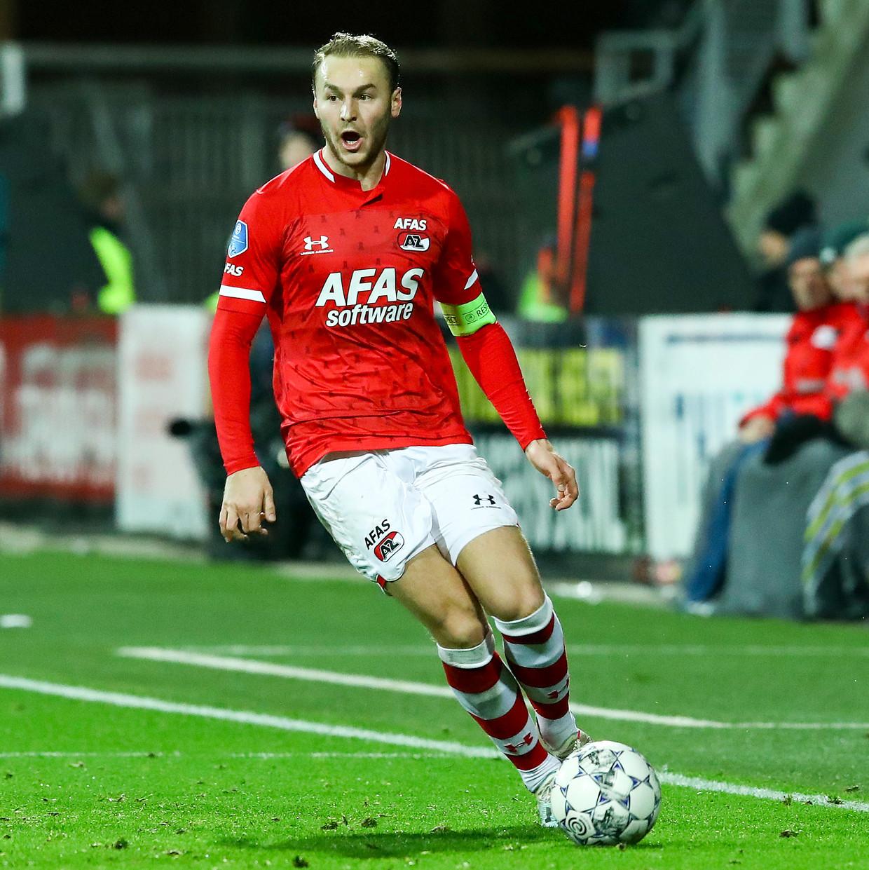 AZ-aanvoerder Teun Koopmeiners aan de bal, afgelopen zondag tegen Ajax. Beeld BSR Agency