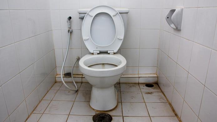 Water Trekt Weg Uit Wc.Wat Doen We Verkeerd Bij Het Schoonmaken Van Het Toilet