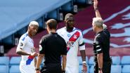 """Crystal Palace-coach ziet geen excuses voor rode kaart van Benteke: """"Ik kan het niet goedpraten, hoezeer hij ook uitgedaagd werd"""""""