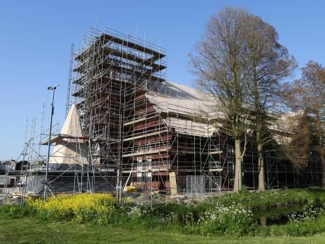 Politie doet onderzoek naar brand in Leerdamse kerk in aanbouw