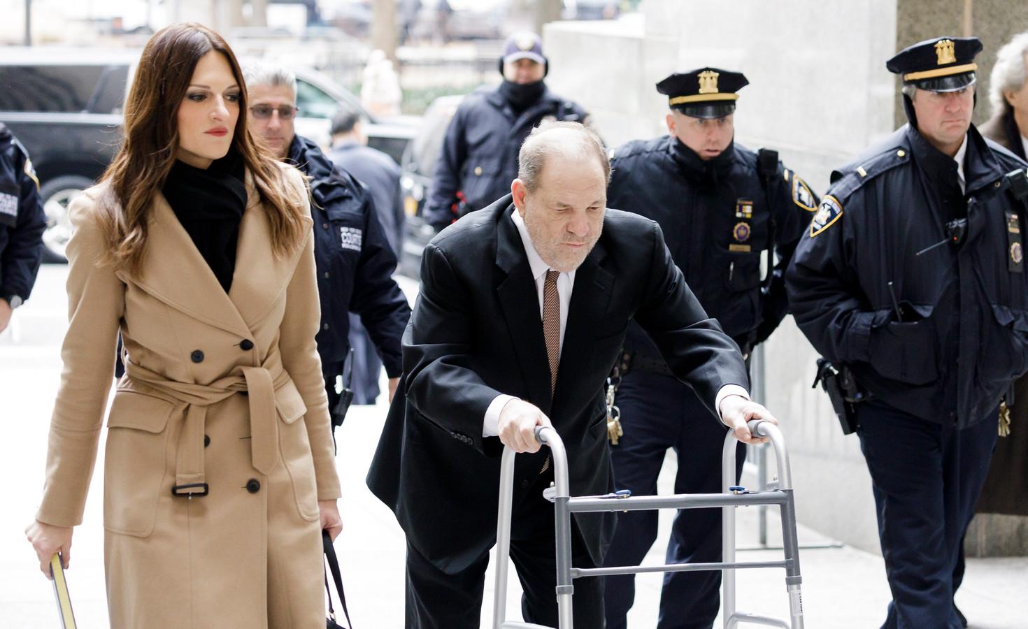 Donna Rotunno défend Harvey Weinstein devant la Cour suprême de l'État de New York.