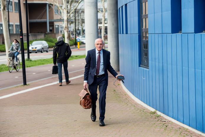 Zakenman Gerard Sanderink bij de rechtbank in Almelo.