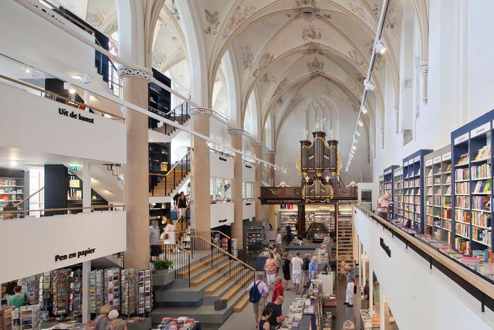 De Broerenkerk in Zwolle is sinds 2013 een boekhandel.