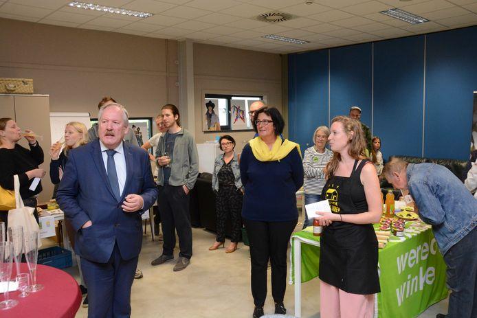 Burgemeester Marc Van de Vijver kwam zijn steun betuigen aan het initiatief.