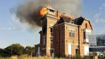 Villa Santa Maria zwaar beschadigd bij brand: twee twintigers opgepakt voor brandstichting