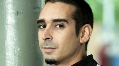 """Choreograaf en acteur Junes Lazaar (32), van Patser naar Buurtpolitie: """"Het blijft knokken. Een auto kan ik nog altijd niet kopen"""""""