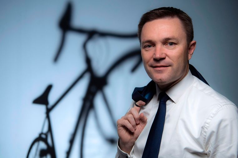 "(FILES) In this file photo taken on November 23, 2017 Union Cycliste Internationale (UCI) president David Lappartient poses during a photo session in Paris.   Lappartient on July 4, 2018 has appealed to the spectators of the Tour de France to ""protect all athletes"", referring to Chris Froome, after the dismissal of his anti-doping procedure. / AFP PHOTO / FRANCK FIFE"