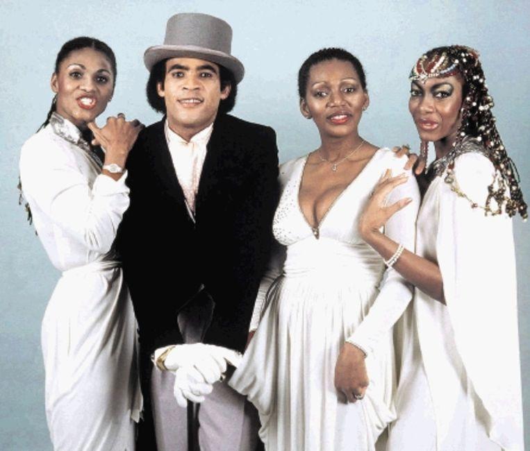 Boney M. in 1981. Vijf jaar later stopte de groep en ging Farrell met zijn eigen formaties verder. (FOTO EPA ) Beeld EPA