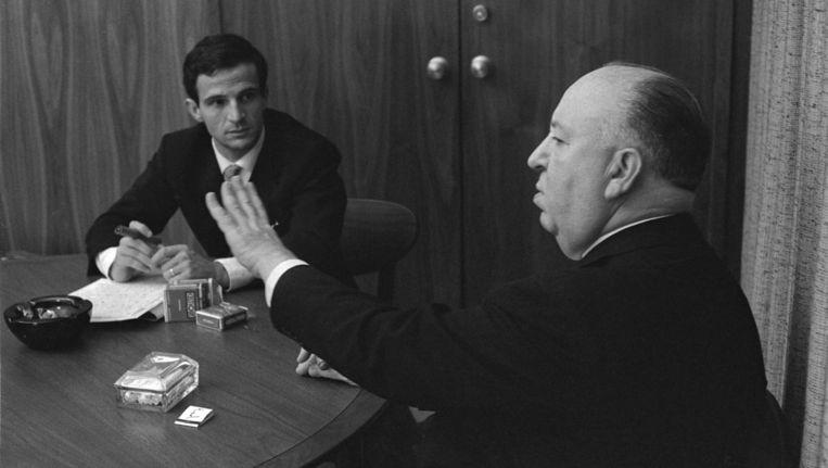François Truffaut en Alfred Hitchcock tijdens een van de vele uren durende gesprekken over film in augustus 1962. Beeld