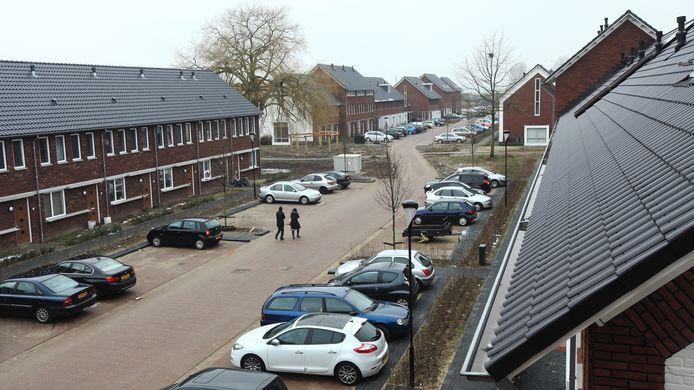 Straatbeeld in Nieuw Kortenoord. In toekomstige nieuwbouwwijken in Wageningen moeten meer huurwoningen komen