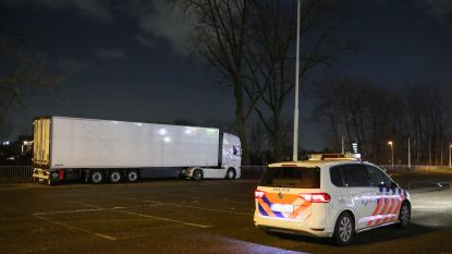 Vier verstekelingen in koelwagen in Rotterdam aangetroffen na tip uit België