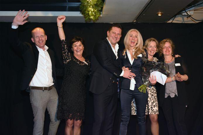 Omringd door vrienden, familie en artiesten werd Joyce van Blerck (46) uit Den Hout het stralend middelpunt van haar eigen Huntingtongala.