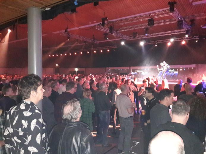 De Groesbeekse sporthal was vrijdagavond flink gevuld met muziekliefhebbers.
