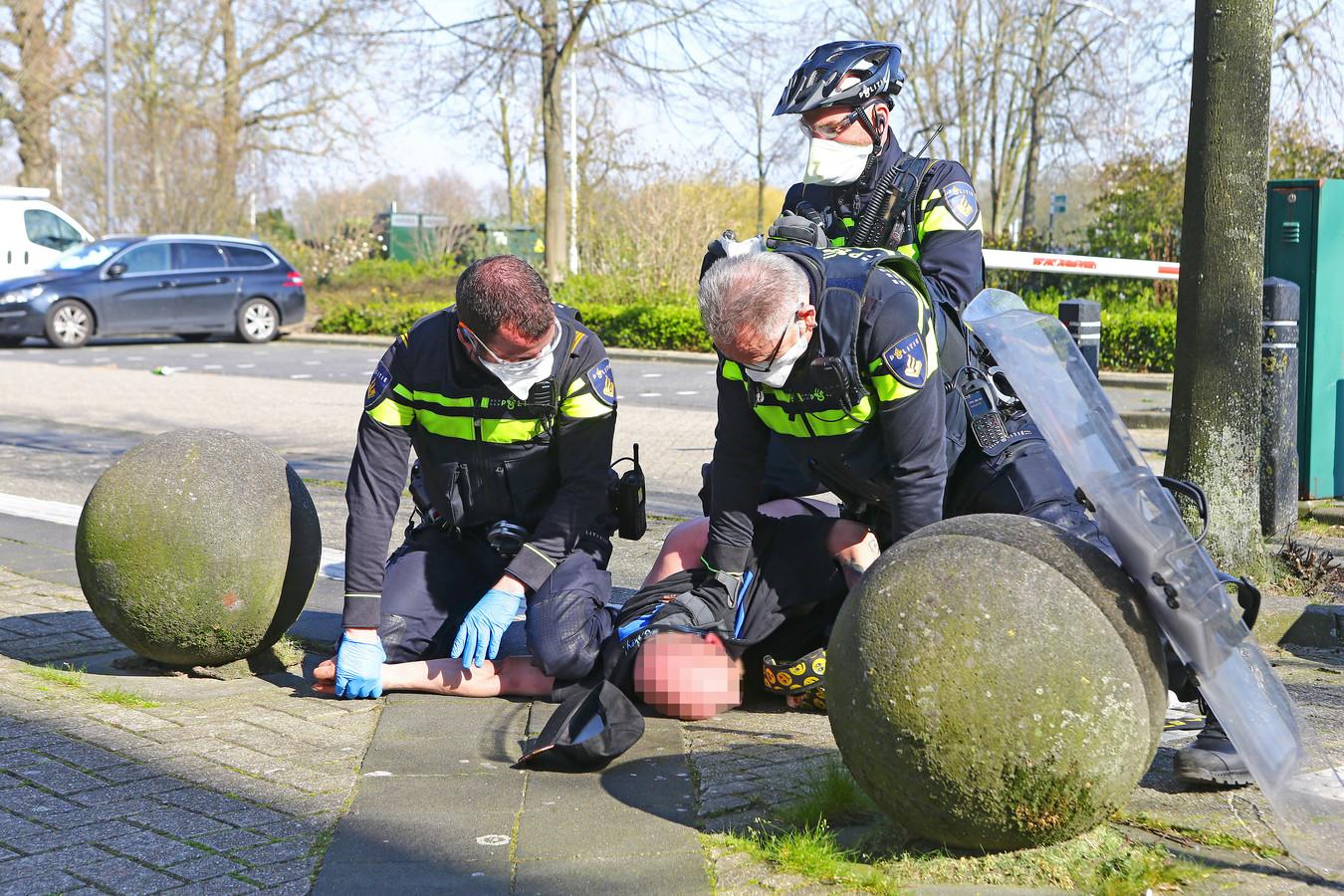 Een 37-jarige Rotterdammer werd aangehouden.