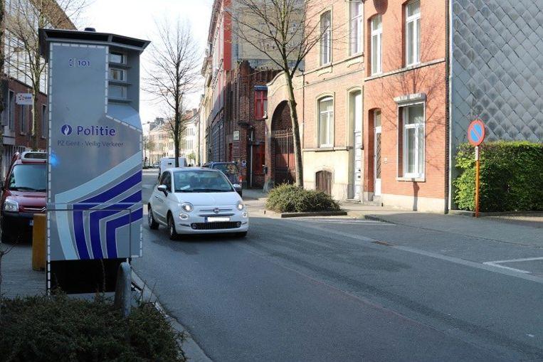 De Gentse politie verplaatst de superflitspaal doorheen het jaar verschillende keren. Hier is hij te zien aan de Ham.