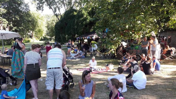 Het Torckpark in Wageningen; even relaxen tijdens Woetstok