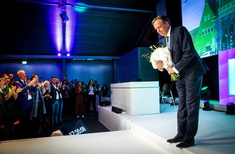 Alexander Pechtold zaterdag na zijn afscheidsrede op het D66-congres. Beeld EPA