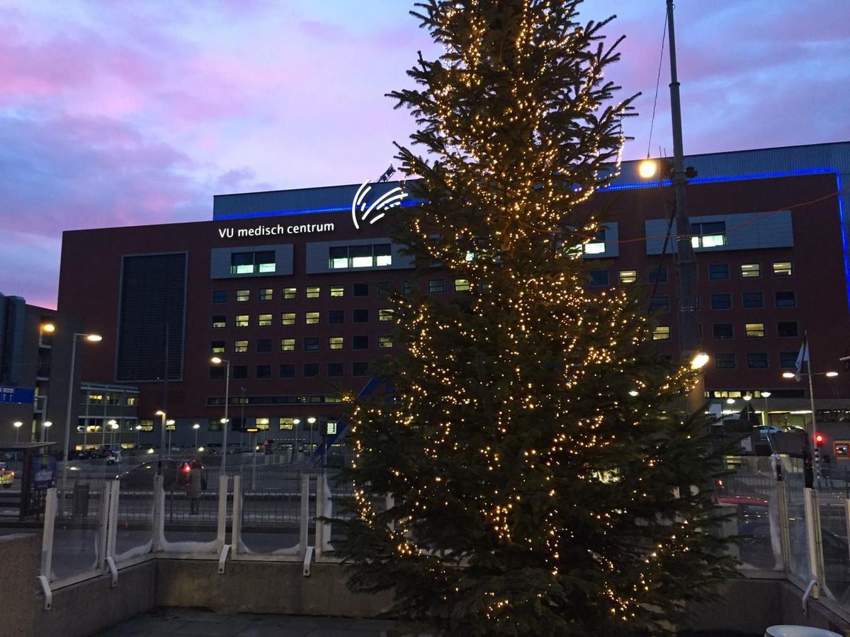 Vumc Steekt Lichtjes In Kerstboom Aan Voor Patienten Foto Ad Nl
