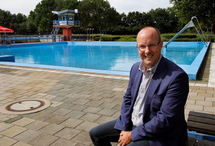 Voor de aanleg van een nieuw combibad in de Binnentuin heeft de gemeente Rucphen voldoende vlees op de botten. Zo bleek gisteren bij de presentatie van de begroting door wethouder René Lazeroms.