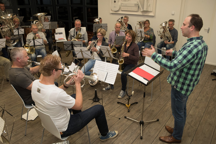 Repetitie van muziekvereniging De Bergklanken.