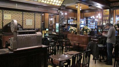Art nouveau-café Le Cirio in ere hersteld