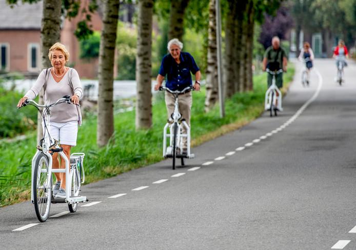 De Lopifit, de elektrische loopbandfiets, duikt steeds vaker op in de omgeving van de Reeuwijkse Plassen.