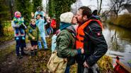 VIDEO: Nicola peddelt 100 kilometer op vlot naar Music For Life domein voor zieke dochtertje