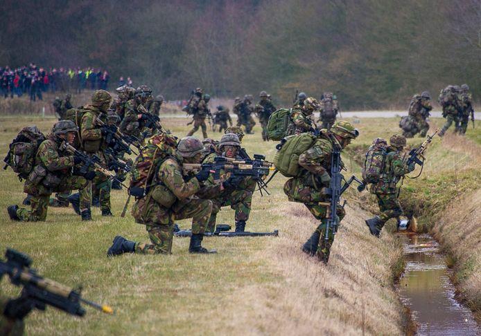 Troepen op de vliegbasis Twente in 2013, ten tijde van de oefening Cerberus Guard.