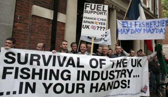 Het protest heeft zich ondertussen uitgebreid naar Groot-Brittannië.