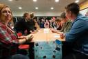 De ouders konden ook spelletjes doen: zoals bingo.  Foto's Gerard Verschooten