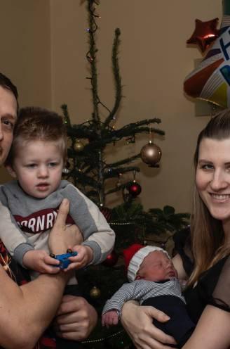 """Papa Jurgen (37) ziet na zoontje Kai (2) ook broertje Liam geboren worden op Kerstmis: """"Ook mijn grootvader was al een kerstkindje"""""""