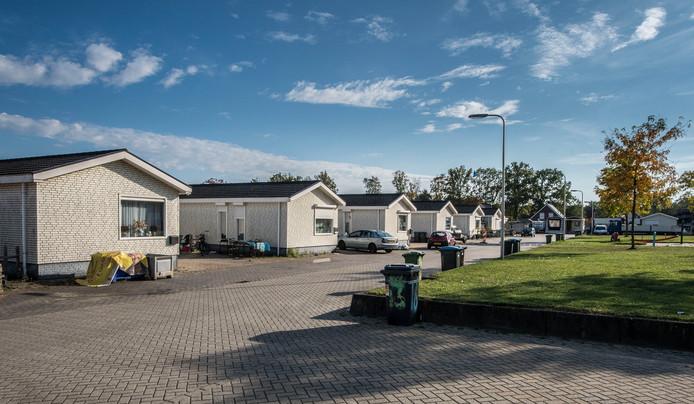 Woonwagenkamp Het Centrum, de enige locatie voor woonwagens in Enschede. Een tweede locatie is gewenst maar kost de stad bijna 2 miljoen euro.