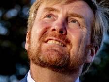 Koning opent vernieuwd NM Kamp Vught en gaat in gesprek met oud-gevangenen