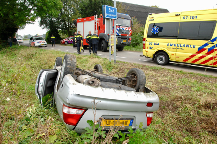 De auto van Ans Wigman kort na het ongeluk.
